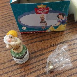Disney PHB MidWest Snow White Sneezy Trinket Box